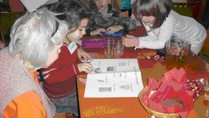 Idősek otthonában tanulnak az általános iskolások