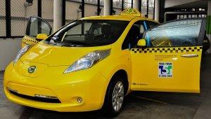 Két taxistársaságot állíttat le a BKK